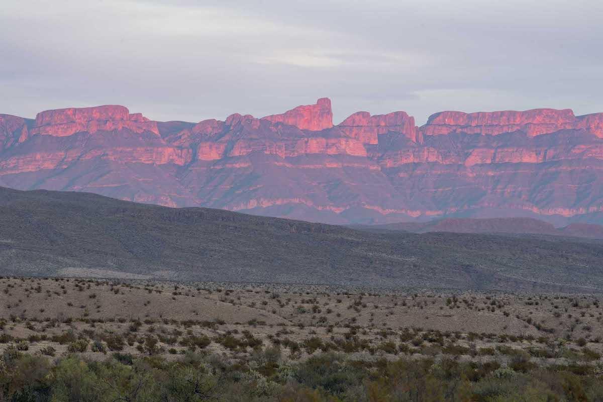 Fotografía de paisaje: Sierra del Carmen en México vista desde Big Bend National Park, Estados Unidos.